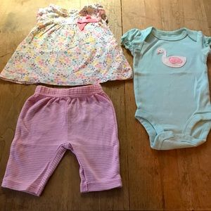 3-piece Newborn OUTFIT EUC Super cute!